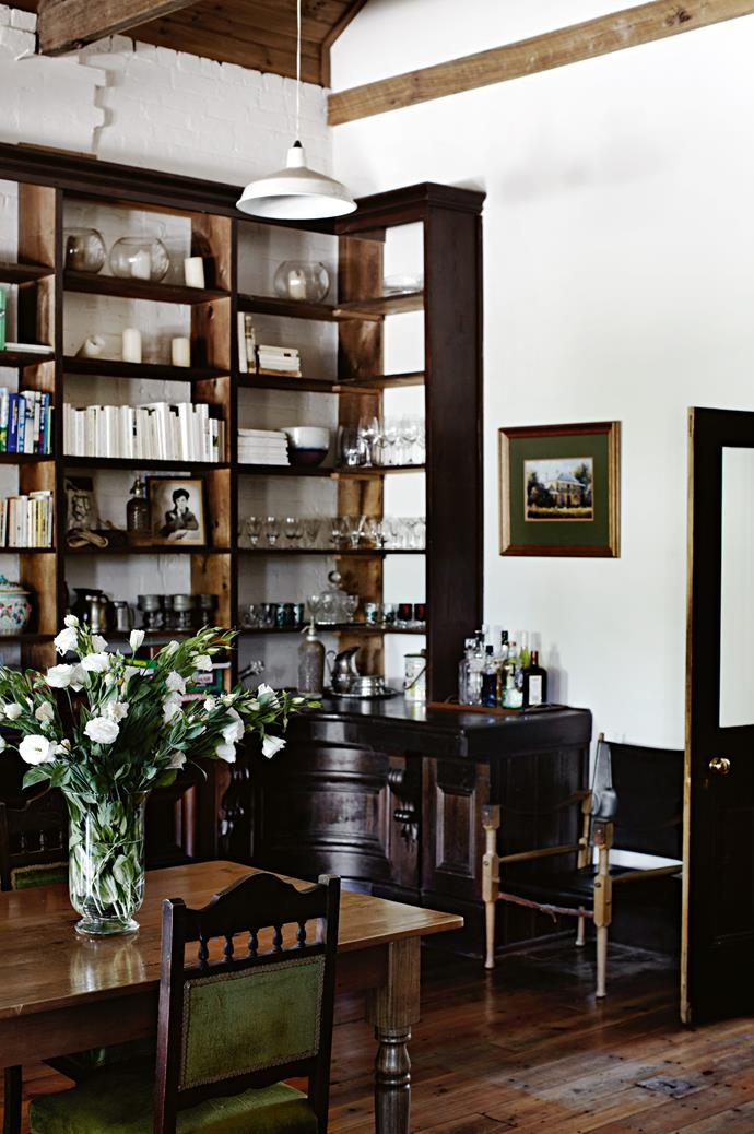 """The hectare-wide homestead was built by Thomas Ladson in 1860, and has [transitioned from town hall to post office to gallery](https://www.homestolove.com.au/home-conversion-ideas-19765
