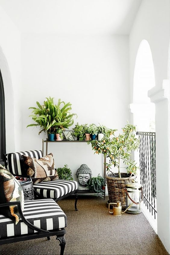 Nautical stripes are a timeless touch to your balcony. If you're not eager to redecorate constantly, choose a classic pattern that'll remain on-trend no matter the year. Image courtesy of [Onekinddesign](https://au.pinterest.com/pin/458452437049692223/)