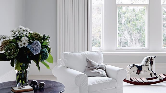 6. Use a 'karate chop' in the middle of the cushion to create a crease in them – this will make them seem more lived in and loved. It will also help to break up uniform shapes, and unite cushions of different colours, scales or families. | Photo: Mark Roper