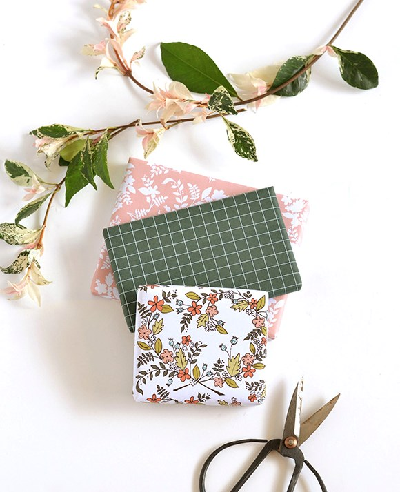 "**Floral fanatic** - Green thumbs and indoor gardeners will adore this [floral wrapping paper](https://www.homestolove.com.au/christmas-gift-wrapping-ideas-13162|target=""_blank"") available at [Make and Tell](http://makeandtell.com/wp-content/uploads/2016/02/floralheartgiftwrap_printable.compressed.pdf