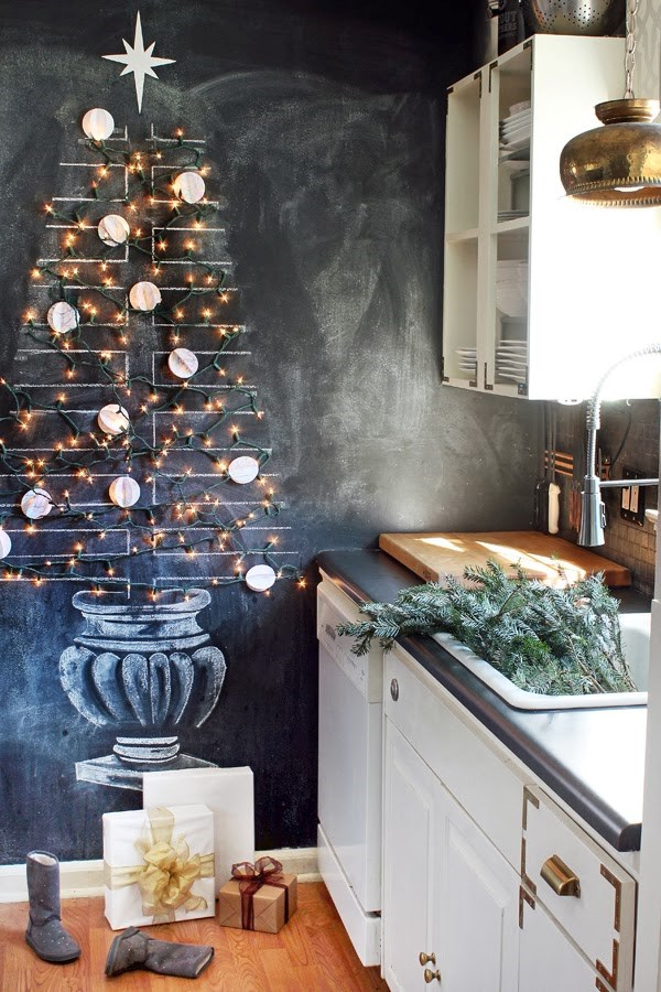 "Everyone knows fairy lights are the best part of a Christmas tree - so why not go all-fairy light with your tree? We love this idea from [Hunted Interior](https://huntedinterior.com/|target=""_blank""