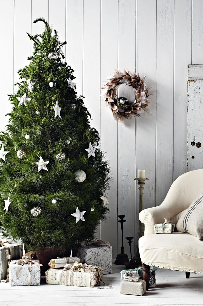 These fabric stars are the perfect ornaments for a pared back Christmas tree.