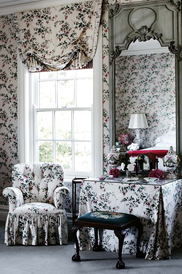 """**TRADITIONAL ENGLISH COUNTRY STYLE**<p> <p>While this isn't a style you see a lot of in Australia anymore, you'll find it in restored heritage homes or [country homesteads](https://www.homestolove.com.au/australian-homesteads-20816