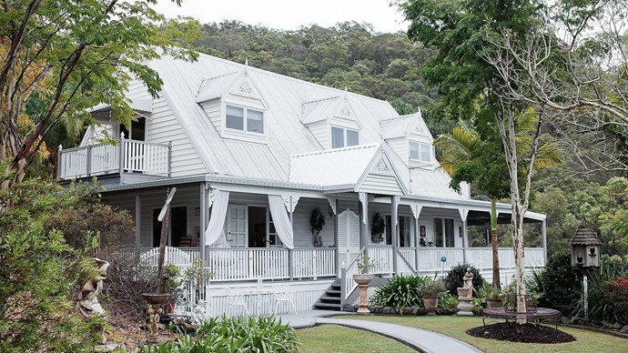 "The cottage was painted in [Dulux Antique White](https://www.homestolove.com.au/dulux-white-paint-colours-5396|target=""_blank"") USA."