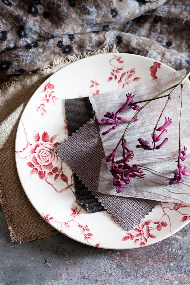 Add a feminine touch by introducing florals to your dinner table | Photo: Sam McAdam-Cooper