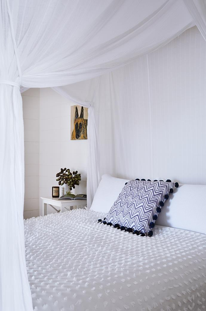 "A 'Dreaming' quilt cover by [Shannon Fricke](https://shannonfricke.com/|target=""_blank""