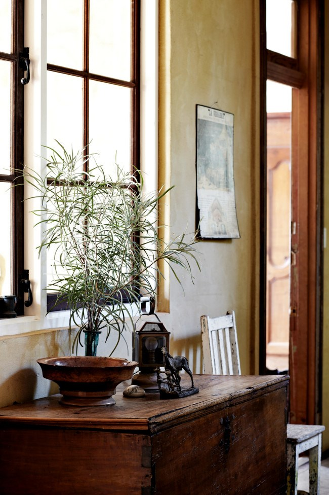 A bronze horse on a heirloom chest.  **For more home inspiration, take a look at this [Beth Emily Gregory Home Studio](http://www.homelife.com.au/homes/galleries/beth+emily+gregory+home+studio,19495) gallery.** | Photo: Sharyn Cairns