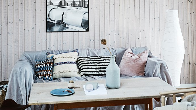 Create your own cosy living room with these chic Danish touches. | Photo: Ida Schmidt/House of Pictures