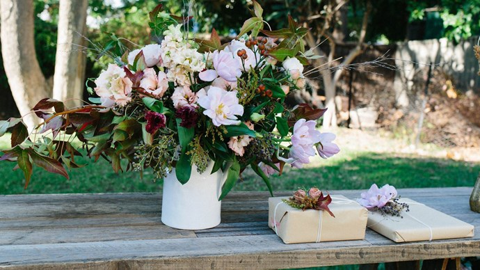 Create this gorgeous handmade Mother's Day posy as a gift or a centrepiece for brunch. Project supplied by [The Refuge Collective](https://therefugeco.com/). | Photo: The Refuge Collective