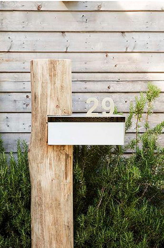 2\. Dramatic letterbox. Think of a dramatic letterbox as the glint in the eye of a handsome stranger – it's that little extra zing you didn't expect. _Image via [William Dangar](https://www.williamdangar.com.au/)_