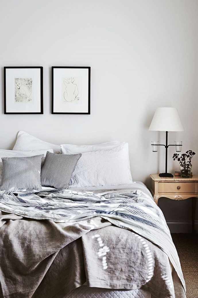 "**Decorate with ticking textiles** <p>Ticking, a subtly striped fabric is quintessentially French, and suits just about any style of home. Pair with textural linen in a [neutral colour palette](https://www.homestolove.com.au/diy-guide-to-neutral-colours-5378|target=""_blank"") for a timeless look.<p> <P>*Photo: Lisa Cohen*"
