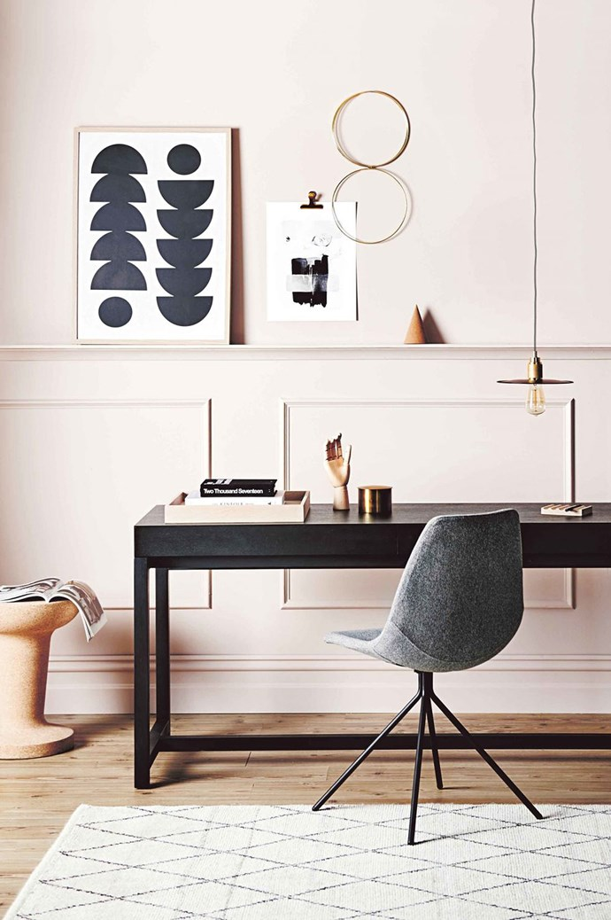 5. Commit to a modern design. Modern apartments are minimal: trims, skirtings and ceilings are clean-cut and the palette is simple, spliced with some zests of colour.  | Photo: Lisa Cohen