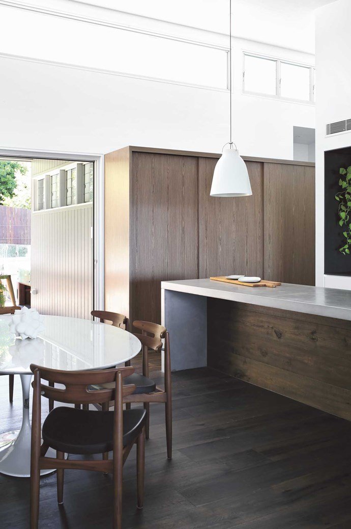 """Tip #4: If you're planning to open all the areas up, make sure you build in enough places to put your possessions away, as that's the one downside of open-plan – everything is on show! Architect Tim Ditchfield designed the space and the result is a really flexible space. """"It can be completely opened up for entertaining, or sectioned off when you want to turn your back on the ocean and, for example, enjoy a cosy winter barbecue out by the pool,"""" says Brooke. This open-plan space is well divided by furniture, storage and lighting. 