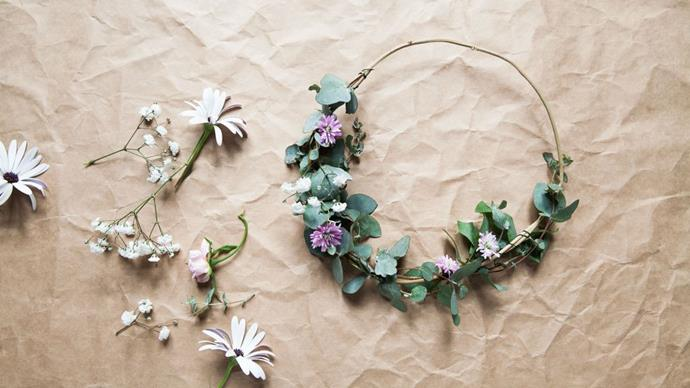 7\. Flower crown. Nothing says 'holiday' like wearing a colourful flower crown. Starting with a dry vine, let your little ones [make their own](http://www.homelife.com.au/craft-diy/craft/how-to-make-a-flower-crown) with whatever flora and greenery is available.
