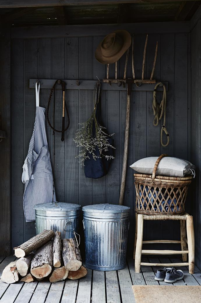<p>**BEING TOO OBVIOUS**<P> <p>You don't want too many rope, shell and driftwood elements in one room making you seasick. Use a mix of rattan and timber trays, hurricane lanterns, potted succulents, open-weave [wicker baskets](, old bottles, battered hats and oars to decorate walls like a stylish Ralph Lauren ad.<P>