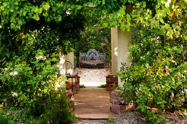 **8.** Seats scattered in sheltered spots in a [garden](http://www.homelife.com.au/gardening/galleries/romantic+garden,10377?pos=0) not only add a decorative element but also provide an invitation to stop and relax, creating a welcoming mood. | Photo: Mark Roper