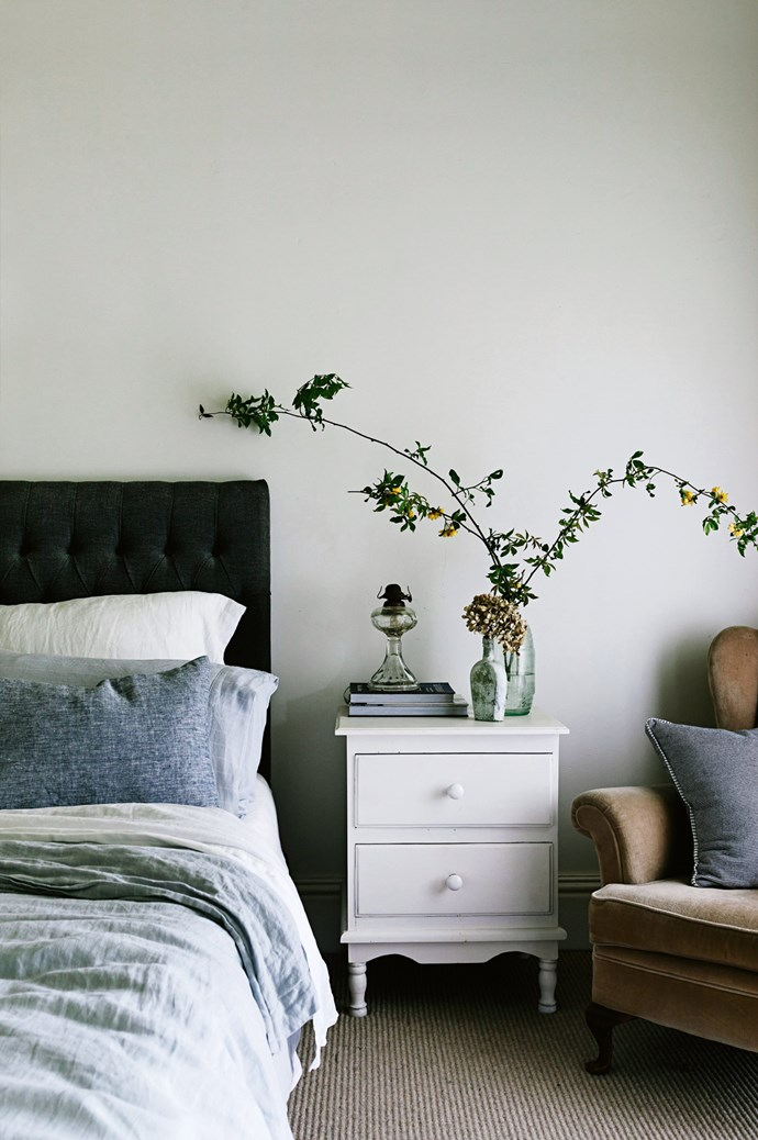 The bedhead in the main bedroom came from [Relax and Entertain](https://www.relaxandentertain.com.au/), in Warrnambool, and the bed linen from [Provincial Home Living](https://www.provincialhomeliving.com.au/). | Photo: Marnie Hawson