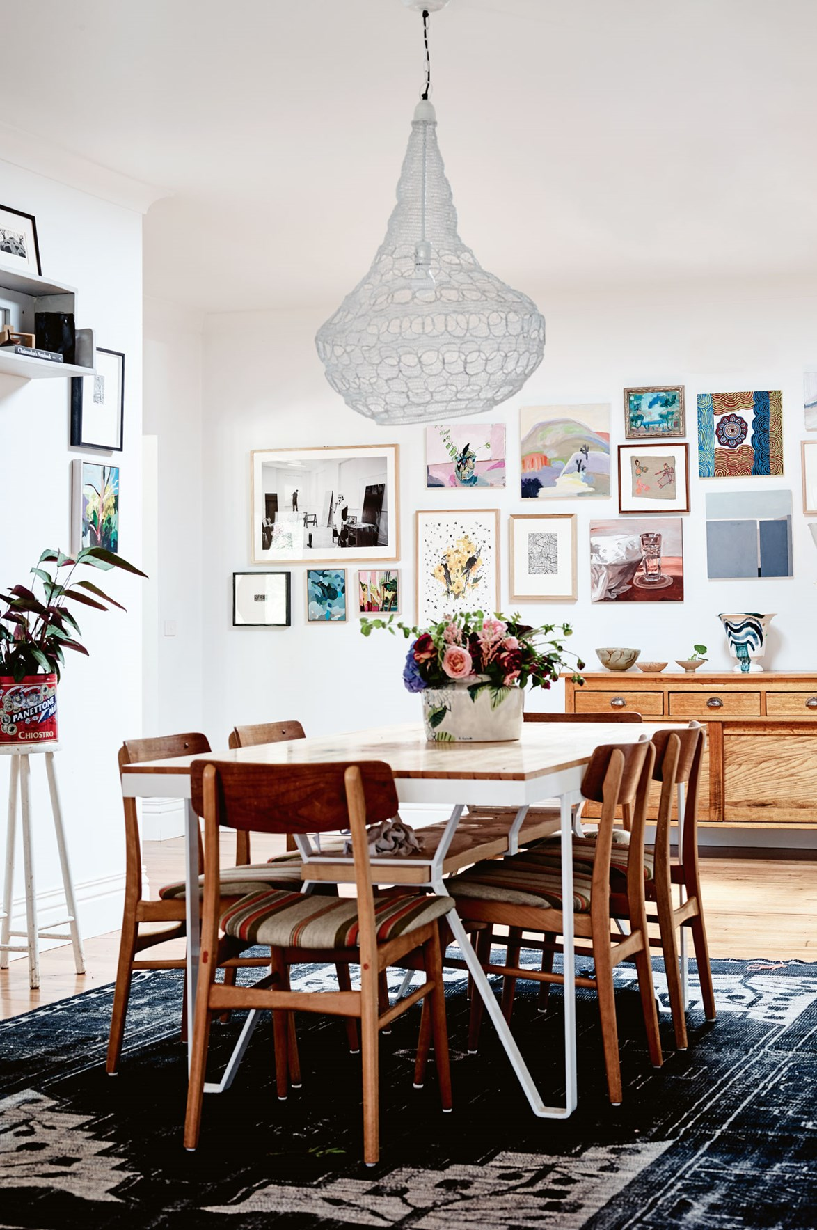 "<p>**COLOUR AND CHARACTER**<p> <P>In artist [Elizabeth Barnett's Macedon Ranges home](https://www.homestolove.com.au/weatherboard-farmhouse-14002|target=""_blank""), the dining room is the perfect place to put the family's interests and passions on display. While pared-back dining rooms may satisfy the masses, a dining room with colour and character will ensure guests always have something to strike up a conversation about.<p> <p>*Photo: Mark Roper*<p>"