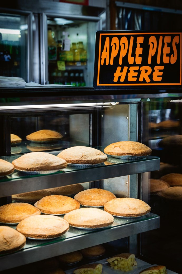 """[**Pie in the Sky Roadhouse**](http://pieintheskybilpin.com.au/ target=""""_blank"""" rel=""""nofollow"""")<p>  <p>A roadside café serving tasty homemade pies. Great for a quick snack on the road or to buy one of the area's famous apple pies."""