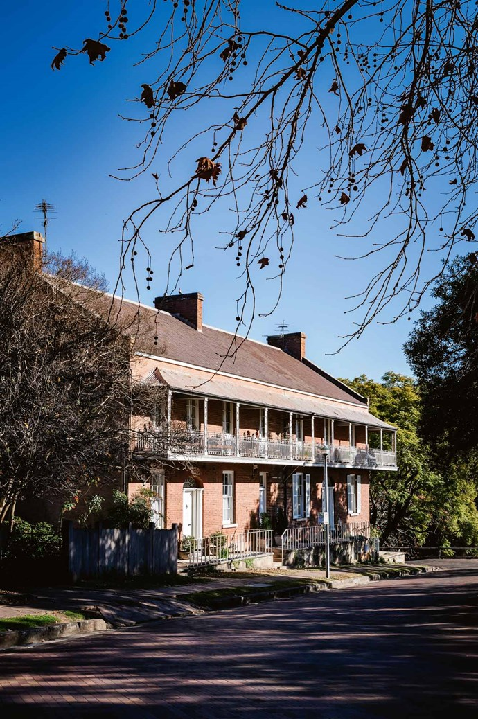 """**Doctor's House, Thompson Square**<p> <p>Start your journey on the eastern side of the [**Hawkesbury River**](https://www.discoverthehawkesbury.com.au/ target=""""_blank"""" rel=""""nofollow""""), at the town of Windsor, discover Thompson Square overlooked by the Macquarie Arms Hotel (built in 1815 and the oldest pub in mainland Australia) and the Georgian-style Doctor's House (c. 1830) at 3 Thompson Square. Behind these historic buildings is the [Hawkesbury Regional Museum](https://mgnsw.org.au/organisations/hawkesbury-regional-museum/ target=""""_blank"""" rel=""""nofollow"""")."""