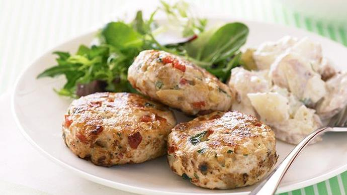 [**Chicken and almond rissoles**](http://www.taste.com.au/recipes/chicken-almond-rissoles/64e9d9aa-2b2c-4200-8ba6-b580248533e7). Depending on your school's nut policy, these make a delicious lunch. Pop them in a wrap with some hummus, or on their own.