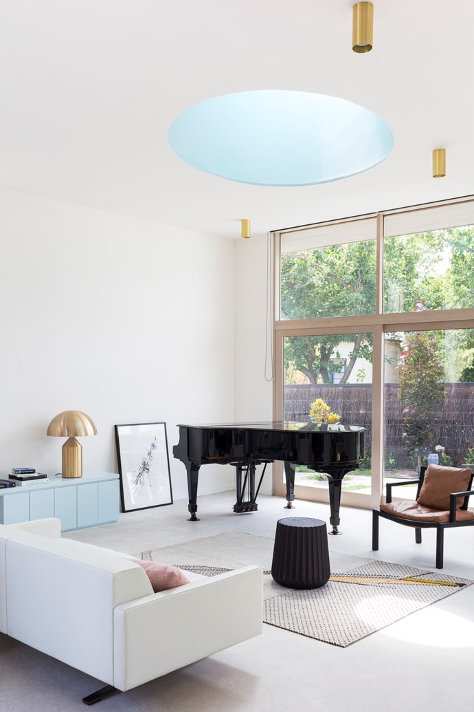 Blushes of blue: To keep your home on the elegant side when using pastels throughout, ensure that in some spaces you use just splashes of colour rather than pastels from top to toe. Percy St Residence by Bagnoli Architects. Styling: Ruth Welsby. Photo © Ari Hatzis