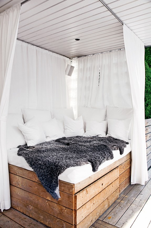 Consider creating a canopy and drape curtains around a plush balcony daybed. We may never be royals, but we can still live like royalty. Image courtesy of [bellemaison23.com](https://au.pinterest.com/pin/227220743675386347/).