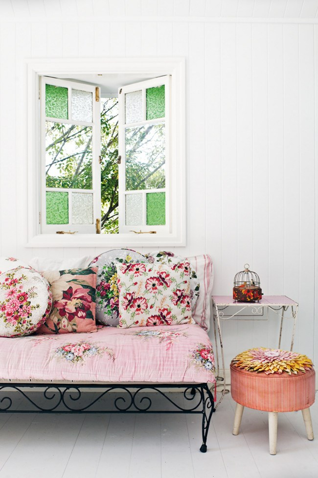 Inside the summerhouse, a one-room idyll built just below the main house. The daybed, by sculptor and interior designer Liesa Russell is covered in a [vintage](http://www.homelife.com.au/decorating/galleries/how+to+buy+vintage+furniture,10282) floral quilt from the US. | Photo: Jared Fowler