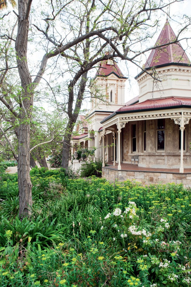 """The grand façade of this Queen-Anne style homestead at [North Bundaleer in South Australia](https://www.homestolove.com.au/stay-north-bundaleer-luxury-rural-retreat-south-australia-13284