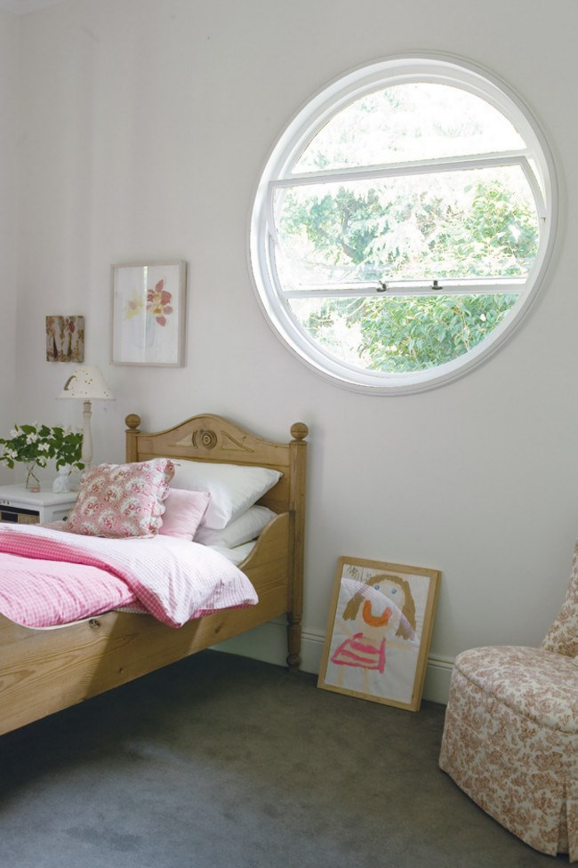 **Light and natural** Delicate colours have been used in this room to create a pretty and classic look. The soft pink shades of the bedcover are picked up in the [fabric](http://www.homelife.com.au/how+to/fabric+dyeing+techniques,4870) of a reading chair and painted artworks creating a light and calm environment.
