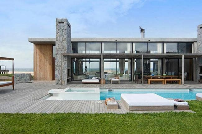 International inspiration La Boyita is a private residence located in Uruguay that was created by Argentinian firm [Estudio Martin Gomez Arquitectos](http://www.martingomezarquitectos.com/home).  **Tip:** Incorporate floor to ceiling windows for a spectacular view of your pool.  _Photographer: Ezequiel Escalante_