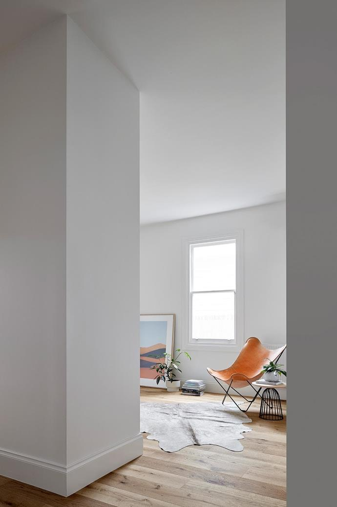 The sitting and living areas boast high ceilings.  Project by [Architect Hewson](https://www.architecthewson.com/), Photography by [Jack Lovel](http://www.jacklovel.com/).