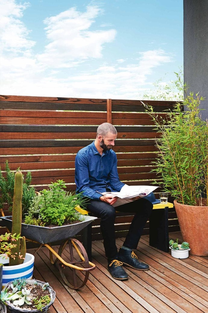 """Mix soft and structured elements in an [outdoor terrace](https://www.homestolove.com.au/the-block-2018-terrace-and-outdoor-rooms-19116 target=""""_blank"""") with potted plants; and for a sunny spot, try succulents, lavender, thyme, rosemary and chives. *Photo:* Nikole Ramsay   *Styling:* Emma O'Meara"""