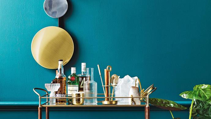 Bar cart styling: the must-have items every keen entertainer should have stocked in their bar – because it's definitely 5:30 somewhere! Scroll through to explore and [get the recipe here](http://www.insideout.com.au/home-style/new-traditional/4-cocktail-recipes-to-add-to-your-entertaining-repertoire/news-story/731d5bde95e2d6633397f24601ca80d6)! _Food styling by David Morgan, styling by Jono Fleming and photography by Jeremy Simons, with styling assistance form Romain Dossou-Yovo_ Stylist: Jono Fleming and David Morgan, Photographer: Jeremy Simons