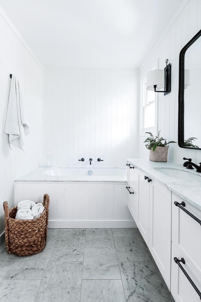 """Keep the colour palette simple and refined with minimalist touches. Bathroom design: [Cottonwood & Co](https://cottonwoodandco.com/