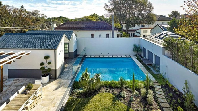 This backyard pool is framed by indigenous flora and native grass to make visual connections with the neighbouring Centennial Parklands. Architect: [Peter Willett Associates](http://pwa.com.au). Photographer: Michael Nicholson