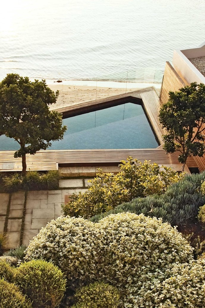 """Irregular space If you have an irregular space, work with the angles to come up with something that's a bit more creative. This strong diagonal is balanced by plantings that create symmetry and accentuate the strong lines. """"Keeping things simple with soft landscaping around it will help the pool settle into the garden,"""" says Peter Fudge of [Peter Fudge Gardens](http://www.peterfudgegardens.com.au/). Tip: Separating your garden into zones will define the space Photographer: Adam Jones"""
