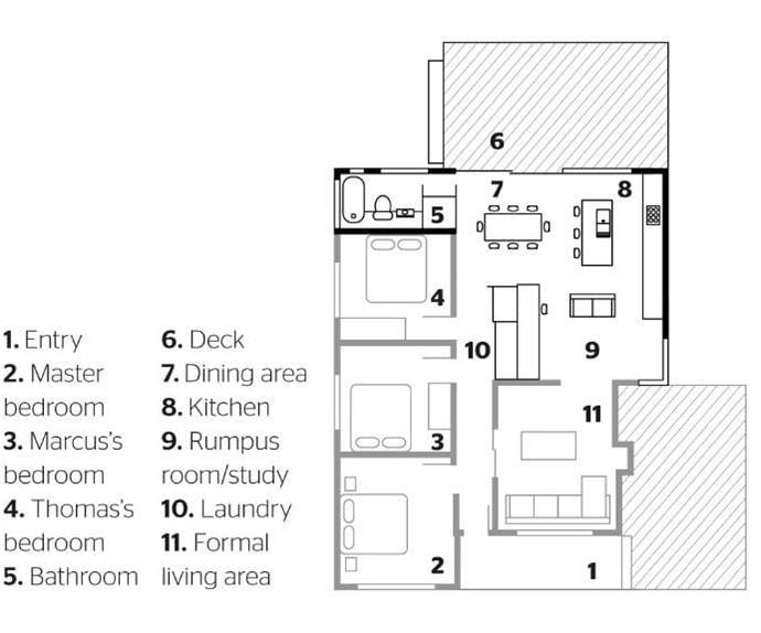 kitchen-black-white-dog-may15