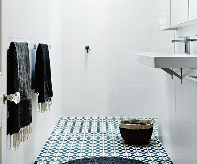 small-bathroom-jun15
