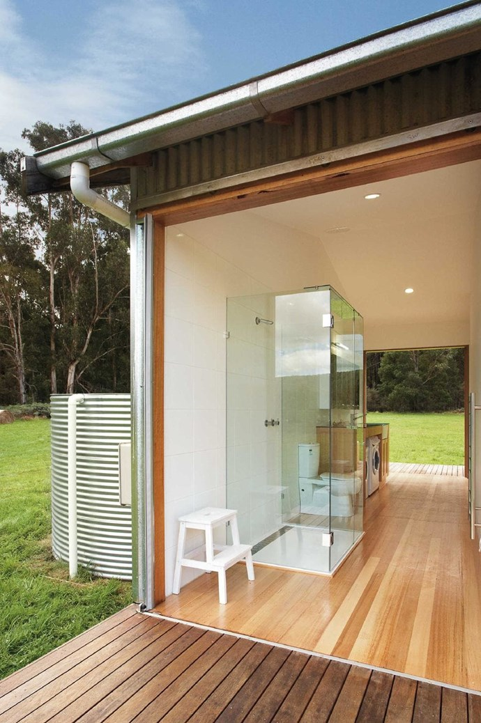"Oh to be surrounded by nature as you wash your whites! This laundry by [Maxa Design](http://www.maxadesign.com.au/|target=""_blank""
