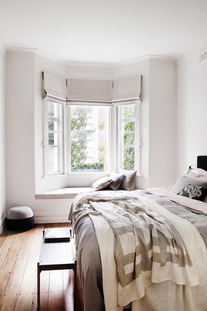 "**Soft touch** Painting the walls and ceiling in very slight variations of a single colour creates a seamless look. The pale timber flooring inspired the muted tones of the blinds, cushions and bedlinen, with darker accents creating depth. *Design: [Pipkorn & Kilpatrick](https://www.pipkornkilpatrick.com.au/|target=""_blank""