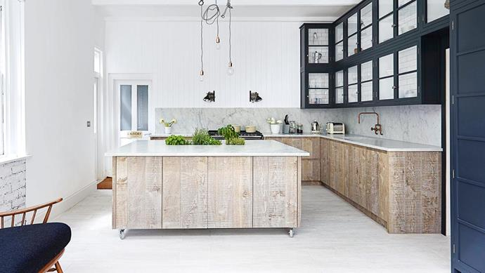 "**BUILT IN PLANTS** <br><br>For the ultimate in cooking convenience, planters sit in a stainless-steel trough mounted under the island benchtop. The herbs also add an appealing green element to the otherwise [neutral kitchen](https://www.homestolove.com.au/neutral-kitchen-ideas-4862|target=""_blank""). ""We've since developed a drainage system to allow you to use the trough as an ice bucket for parties,"" says designer Jamie Blake. ""The only real requirement is having the space to house the trough within the cabinetry; it's essentially a very large, odd-shaped sink.""<br><br>"