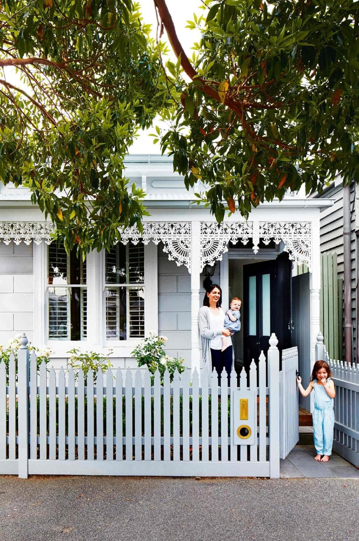 "This Victorian-era cottage with a pretty facade ticked all the boxes for its owners Todd and Rachel. Even though the pair were happy to judge a book by its cover, they found it ticked all the boxes: not only did it have a modern rear extension perfect for their growing family, but it is also positioned on a large corner block near the seaside. Since purchasing it, the pair have given the home a [Scandinavian style makeover](https://www.homestolove.com.au/scandinavian-style-makeover-in-the-heart-of-melbourne-17515|target=""_blank""). *Photo: Armelle Habib / Story: Inside Out*"