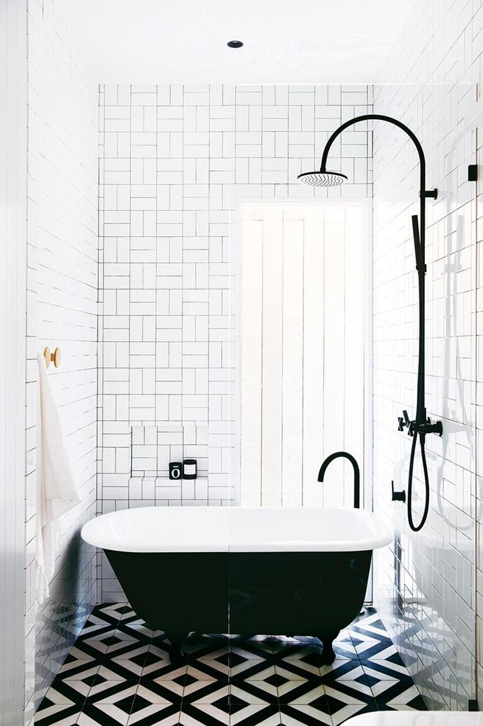 "This bathroom with a moderately sized [free standing bath tub](https://www.homestolove.com.au/freestanding-baths-4520|target=""_blank"") was designed for the homeowners' kids. *Photo: Chris Warnes. Stylist: Stephanie Powell*"