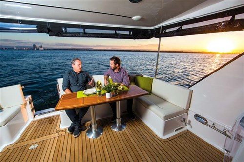 Integrity 380 Flybridge deck