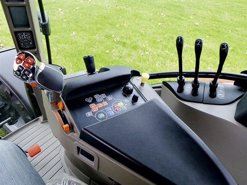 Case -IH-Maxxum -110-CVT_controls _671
