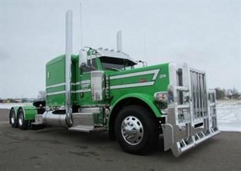 Peterbilt 389 Green