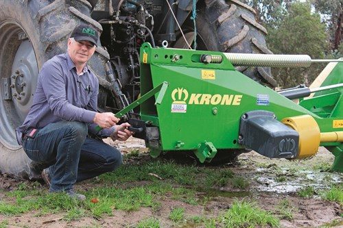 Krone EC R 320 Mower _blade Changing