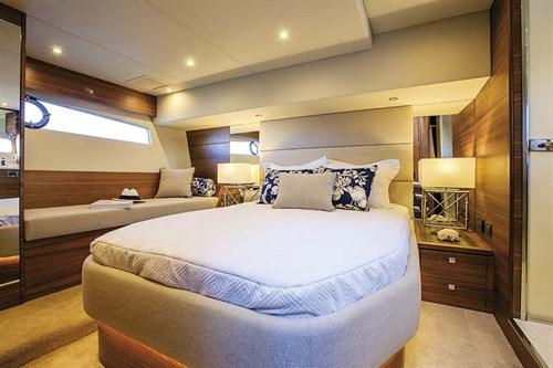 Elandra 53 master bedroom