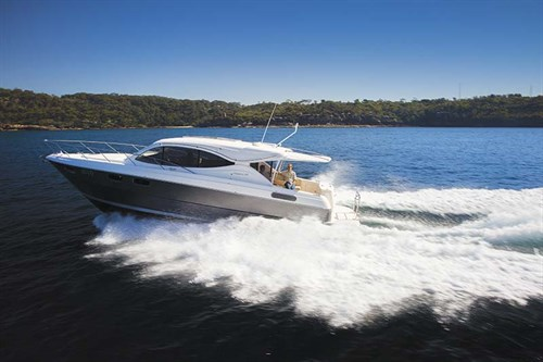 Maritimo S43 luxury boat